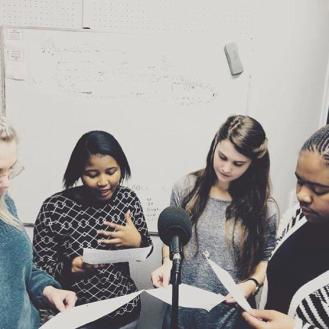 In die ateljee: Ons klas se eerste podcast, The Genderal Opinion, is in Oktober opgeneem in die PUKfm-ateljee. Van links na regs: Annelu le Roux, Bianca Thatyana, Rouxne van der Westhuizen en Ayanda Mthetwa. Foto: Hannelie Otto.